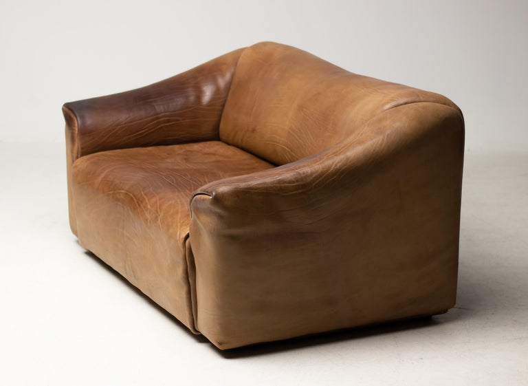 De Sede, DS-47 sofa in buffalo leather, Switzerland, 1970s. Very comfortable DS47 sofa by De Sede. 