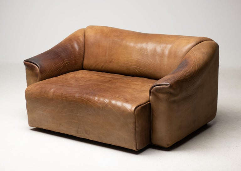 Swiss De Sede DS-47 Sofa in Brown Buffalo Leather For Sale