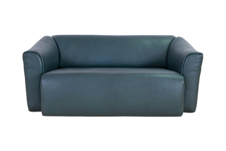 Post-Modern De Sede DS 47 Sofa in Petrol Green Leather For Sale