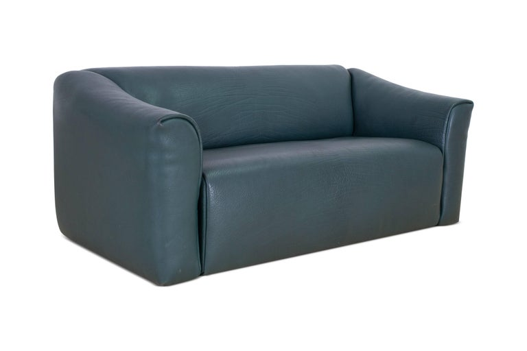 Swiss De Sede DS 47 Sofa in Petrol Green Leather For Sale