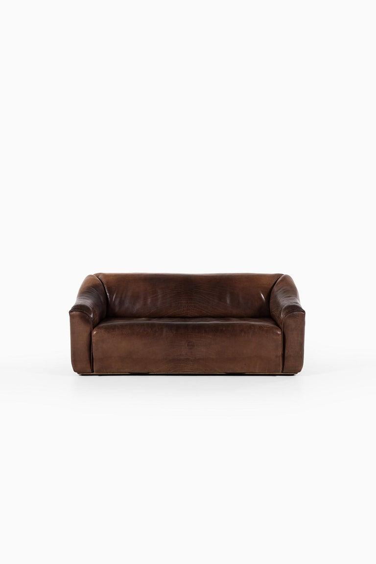 Rare 3-seat sofa model DS-47 designed by designteam at de Sede. Produced by de Sede in Switzerland.