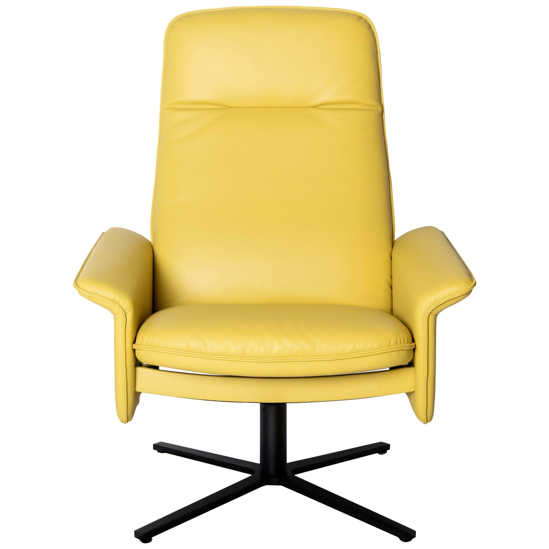 De Sede DS 55 High Back Chair in Yellow Leather Upholstery, De Sede Design Team