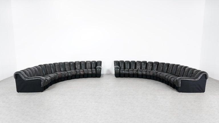 De Sede DS 600 Snake Sofa by Ueli Berger, 1972 Black & Brown Leather 36 Elemens For Sale 2