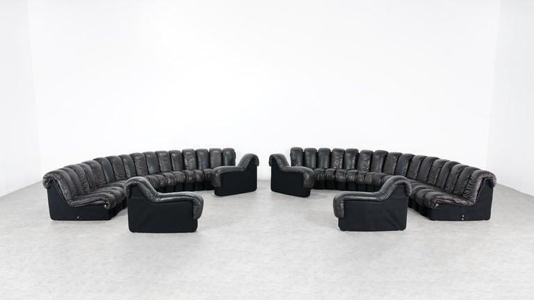 De Sede DS 600 Snake Sofa by Ueli Berger, 1972 Black & Brown Leather 36 Elemens For Sale 3