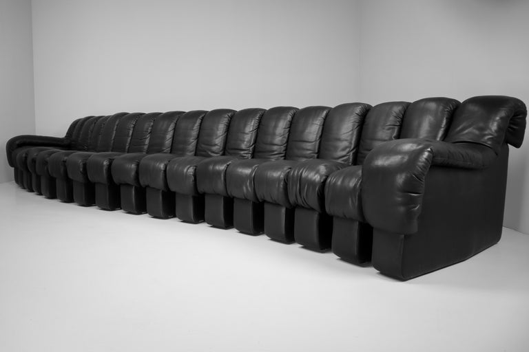 De Sede DS 600 Snake Sofas in Full Black Leather by Ueli Berger Switzerland 1972 In Good Condition For Sale In Almelo, NL