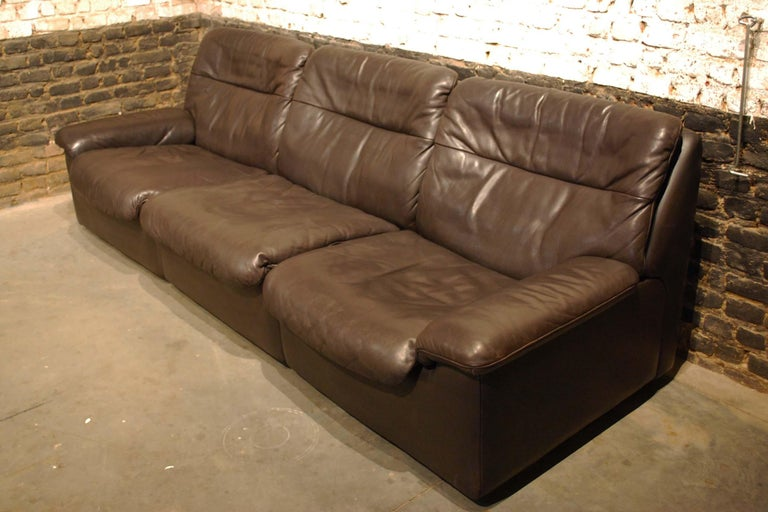 Swiss De Sede DS 66 Three-Piece Dark Brown Leather Sofa Set by Carl Larsson For Sale