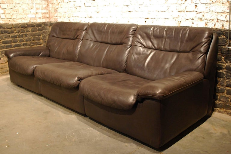 De Sede DS 66 Three-Piece Dark Brown Leather Sofa Set by Carl Larsson In Good Condition For Sale In Casteren, NL