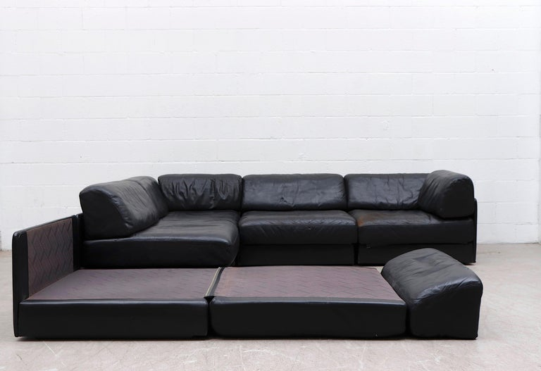 De Sede DS 76 Black Leather 5 Piece Sectional Sleeper Sofa In Good Condition For Sale In Los Angeles, CA