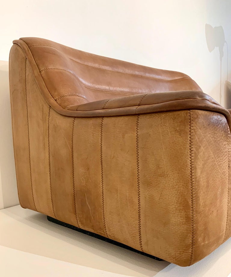 De Sede DS-84 Vintage Thick Buffalo Neck 2-Seat Leather Loveseat Sofa, 1970s For Sale 4