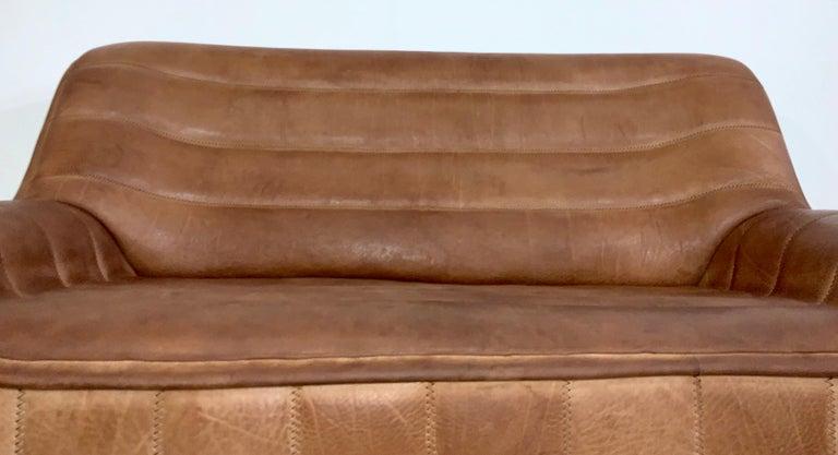 De Sede DS-84 Vintage Thick Buffalo Neck 2-Seat Leather Loveseat Sofa, 1970s For Sale 9