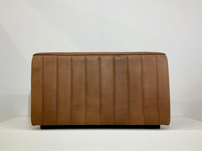 De Sede DS-84 Vintage Thick Buffalo Neck 2-Seat Leather Loveseat Sofa, 1970s For Sale 10