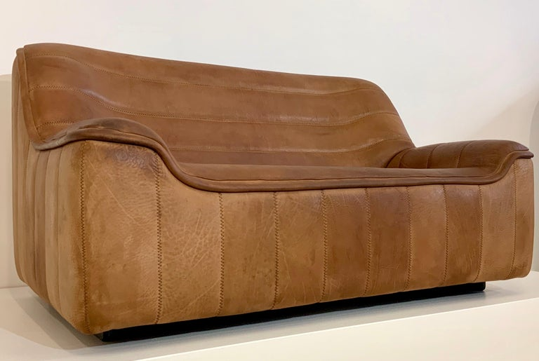 Mid-Century Modern De Sede DS-84 Vintage Thick Buffalo Neck 2-Seat Leather Loveseat Sofa, 1970s For Sale