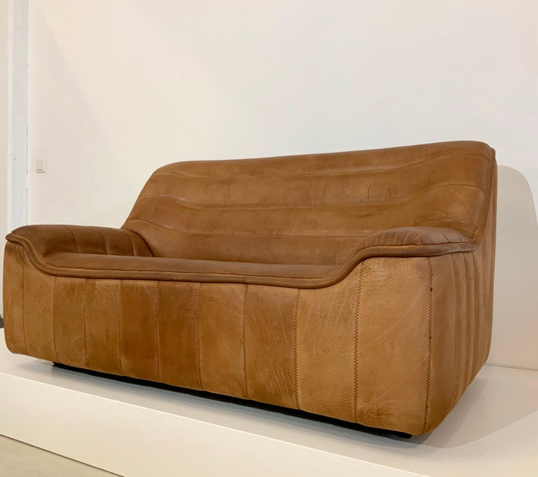 Swiss De Sede DS-84 Vintage Thick Buffalo Neck 2-Seat Leather Loveseat Sofa, 1970s For Sale