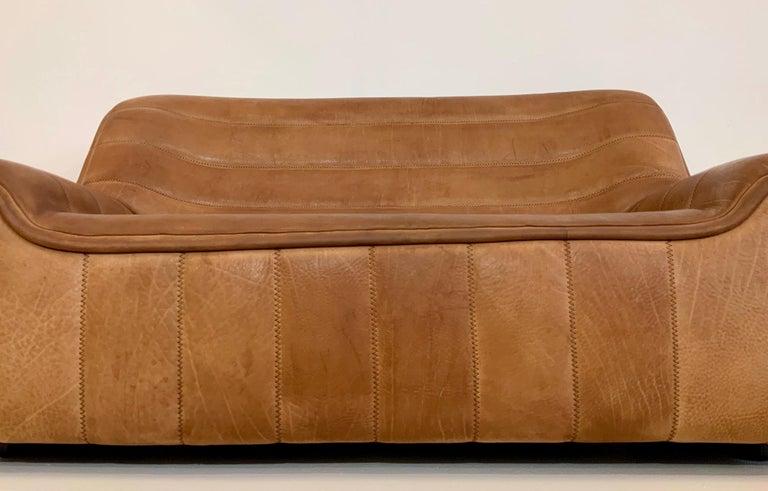De Sede DS-84 Vintage Thick Buffalo Neck 2-Seat Leather Loveseat Sofa, 1970s For Sale 3