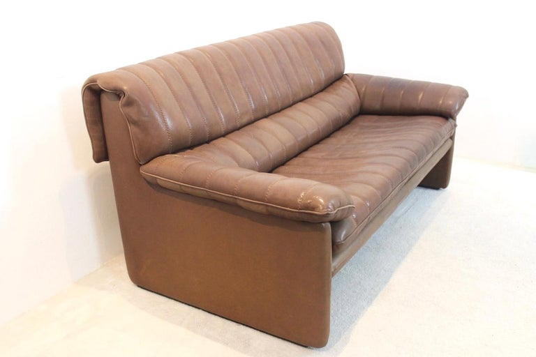 De Sede DS-86 Two-Seat Sofa in Soft Thick Brown Neck Leather For Sale 4
