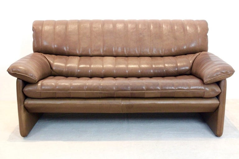 De Sede DS-86 Two-Seat Sofa in Soft Thick Brown Neck Leather For Sale 5