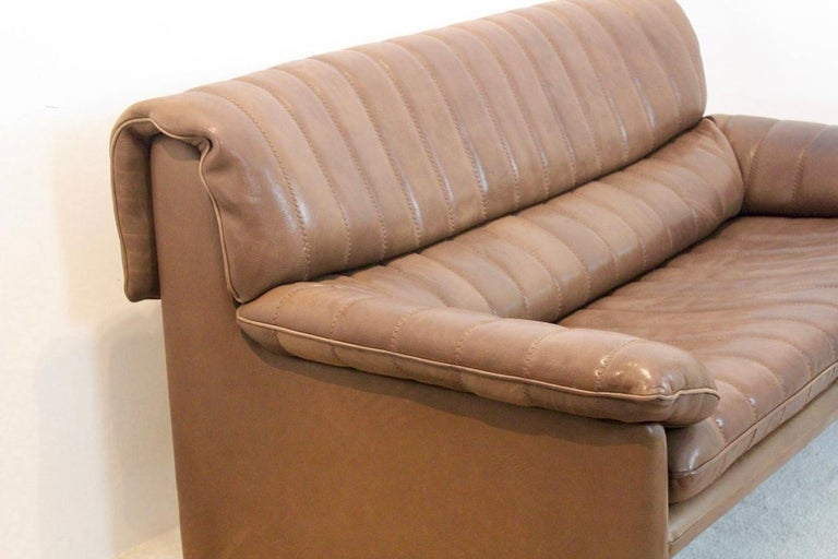 De Sede DS-86 Two-Seat Sofa in Soft Thick Brown Neck Leather For Sale 7