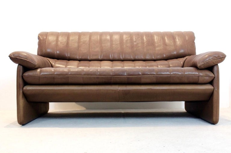 Mid-Century Modern De Sede DS-86 Two-Seat Sofa in Soft Thick Brown Neck Leather For Sale