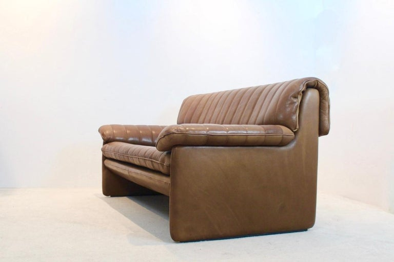 20th Century De Sede DS-86 Two-Seat Sofa in Soft Thick Brown Neck Leather For Sale