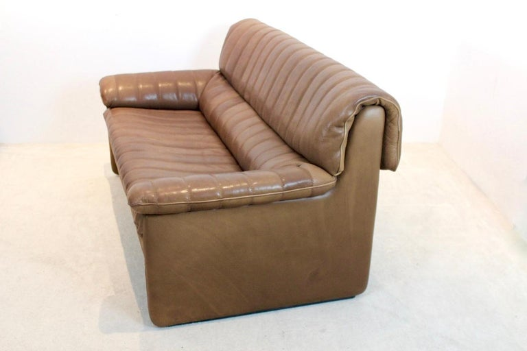 De Sede DS-86 Two-Seat Sofa in Soft Thick Brown Neck Leather For Sale 1