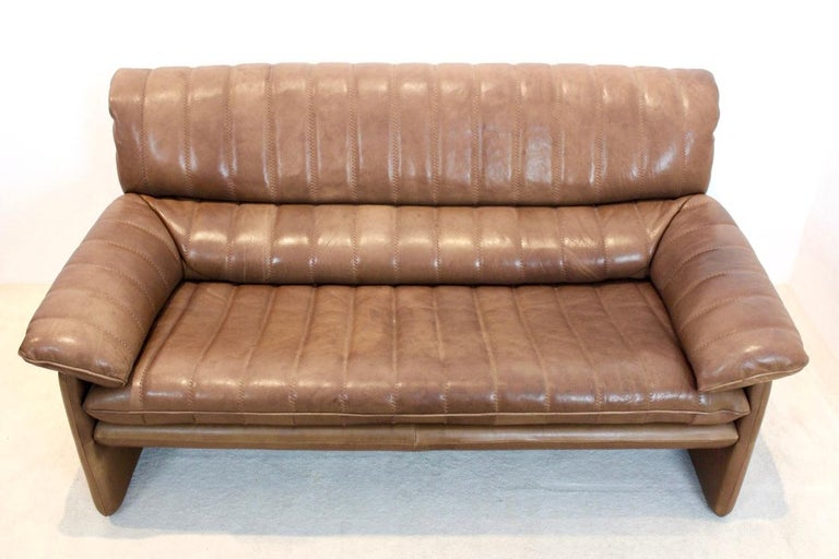 De Sede DS-86 Two-Seat Sofa in Soft Thick Brown Neck Leather For Sale 2