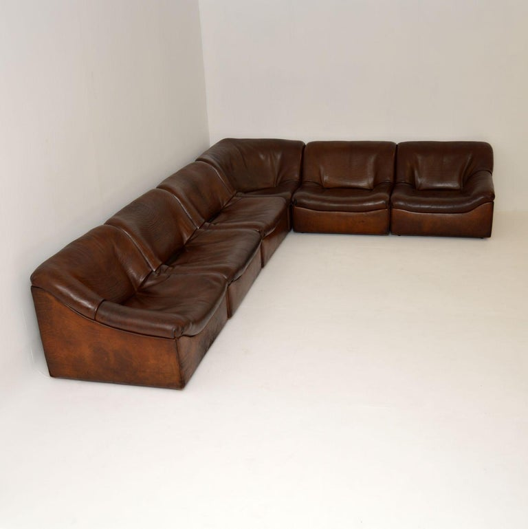 A stunning and very comfortable vintage leather corner sofa of the most amazing quality, this is the DS46 made by De Sede in Switzerland. It dates from the 1960s-1970s, and is in amazing condition for its age. We have had the thick high quality
