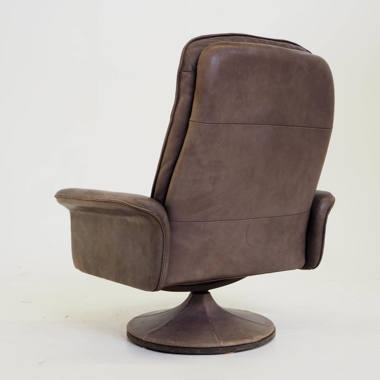 De Sede DS50 Leather Swivel Lounge Armchair In Good Condition For Sale In The Hague, NL