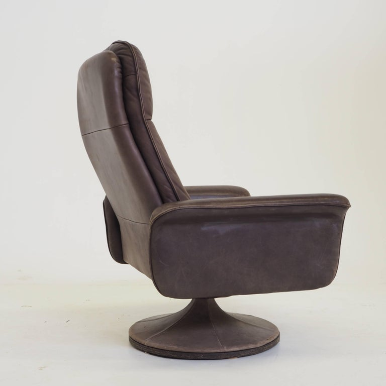 De Sede DS50 Leather Swivel Lounge Armchair For Sale 1