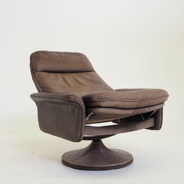 De Sede DS50 Leather Swivel Lounge Armchair For Sale 3