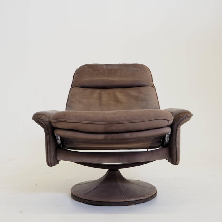 De Sede DS50 Leather Swivel Lounge Armchair For Sale 4