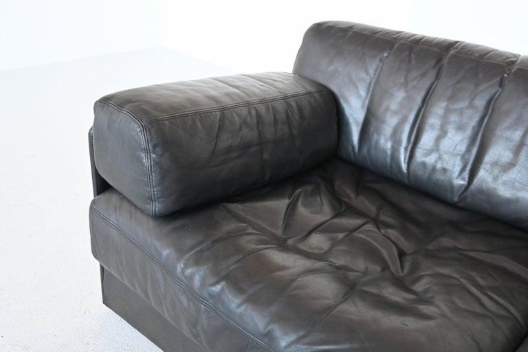 De Sede DS76 Two-Seat Sofa Black Leather, Switzerland, 1970 5