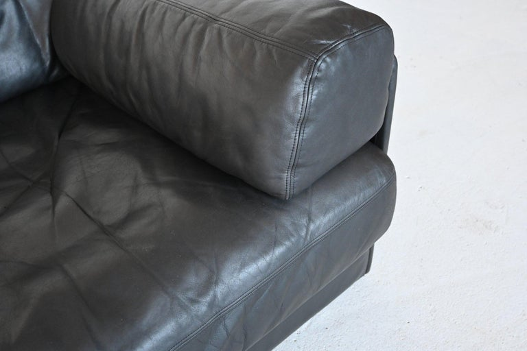De Sede DS76 Two-Seat Sofa Black Leather, Switzerland, 1970 6
