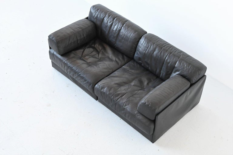 De Sede DS76 Two-Seat Sofa Black Leather, Switzerland, 1970 8