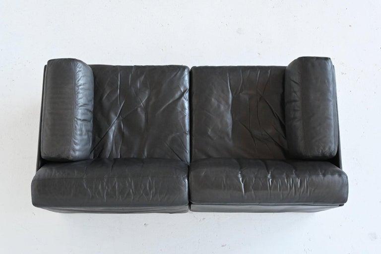 De Sede DS76 Two-Seat Sofa Black Leather, Switzerland, 1970 9