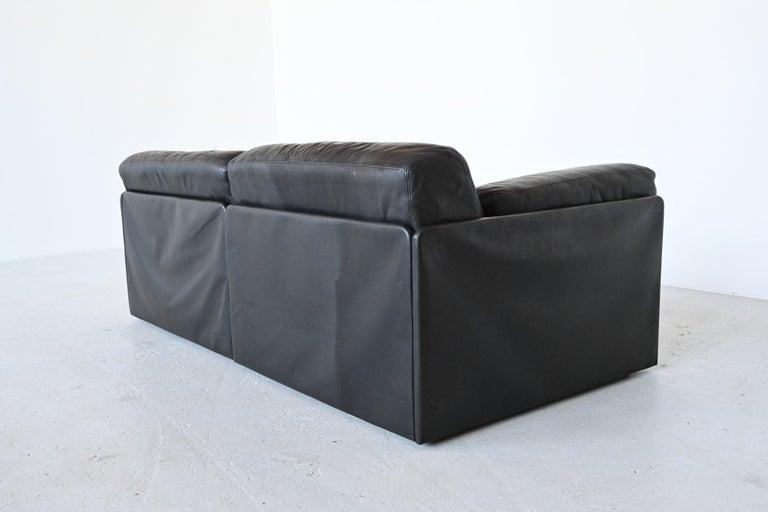 Swiss De Sede DS76 Two-Seat Sofa Black Leather, Switzerland, 1970