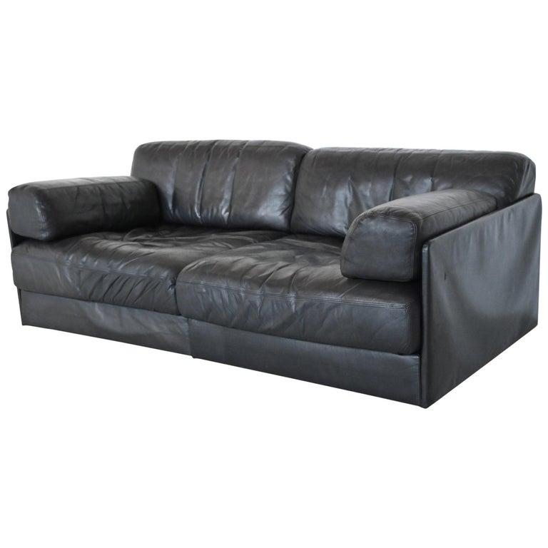 De Sede DS76 Two-Seat Sofa Black Leather, Switzerland, 1970