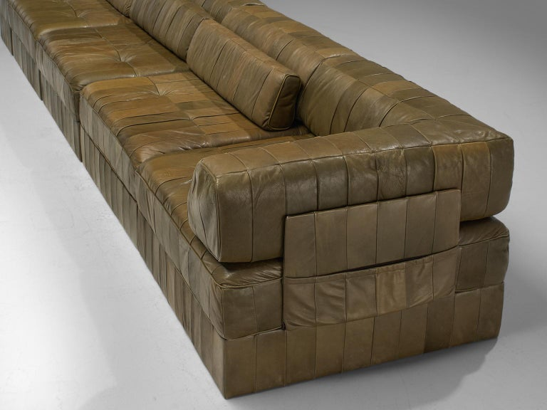 De Sede 'DS88' Sectional Sofa in Olive Green Leather For Sale 1
