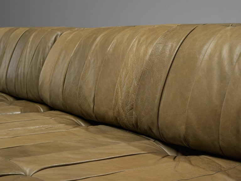 De Sede 'DS88' Sectional Sofa in Olive Green Leather For Sale 2