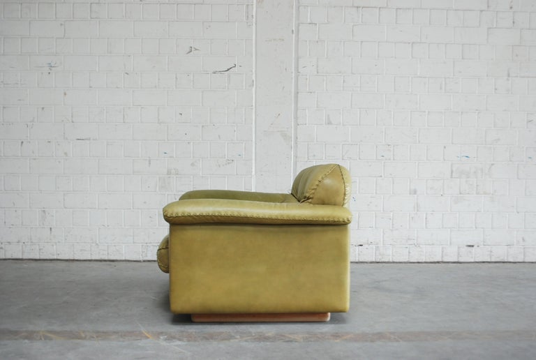 De Sede James Bond Leather Lounge Chair DS 101 Olive Green For Sale 1
