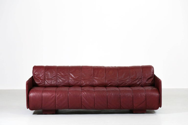Convertible sofa bed made by De Sede in Switzerland. High quality leather.