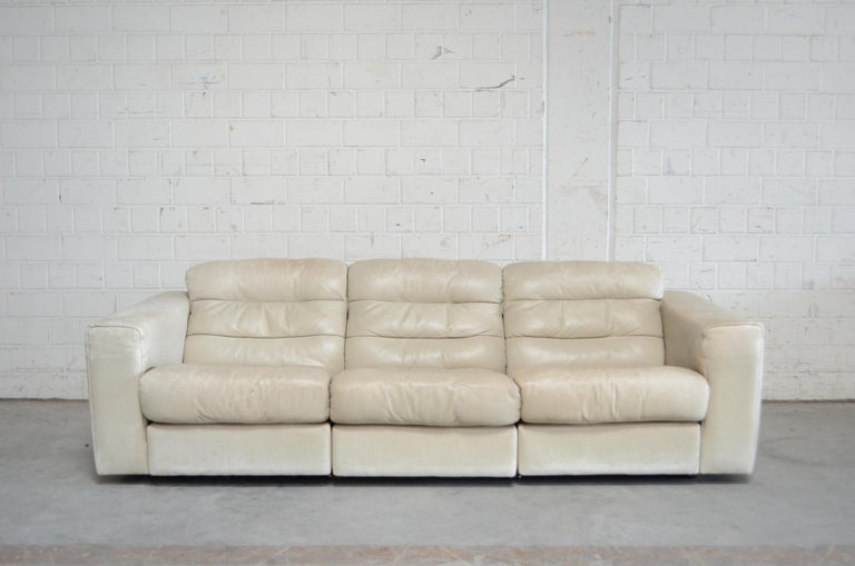 Mid-Century Modern De Sede Leather Sofa DS 105 Ecru White For Sale