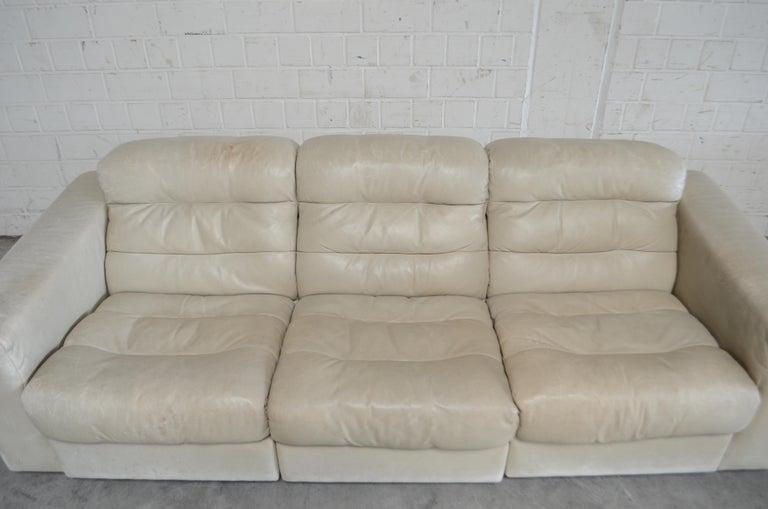 Swiss De Sede Leather Sofa DS 105 Ecru White For Sale