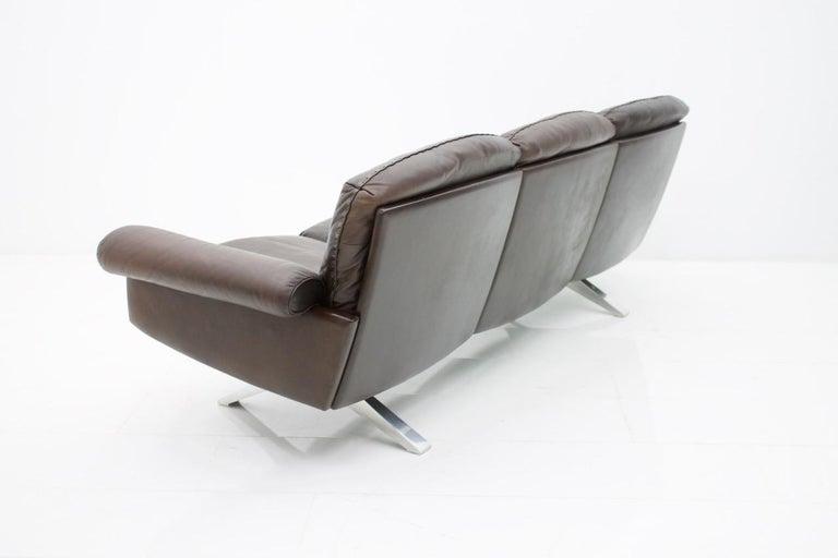 De Sede Leather Sofa DS 31 with Chrome Base, Switzerland, 1970s In Good Condition In Frankfurt / Dreieich, DE