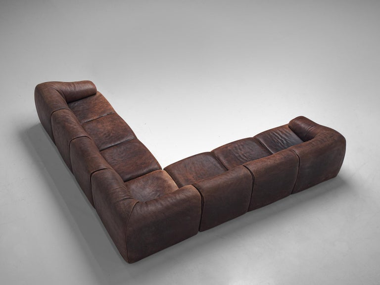 De Sede, lounge set, buffalo leather, Switzerland, circa 1970.