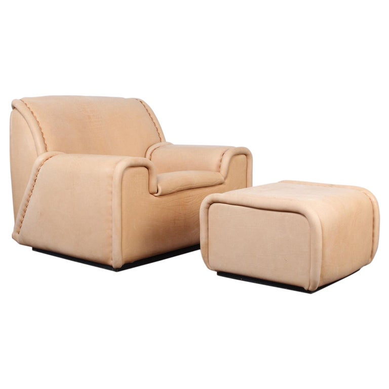 """De Sede """"Sitting Bull"""" Lounge Chair and Ottoman, Model DS-1010 For Sale"""