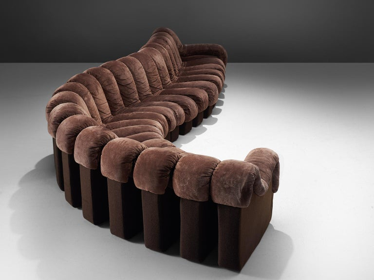 De Sede 'Snake' DS-600, in brown suede fabric and felt, Switzerland, 1972. 