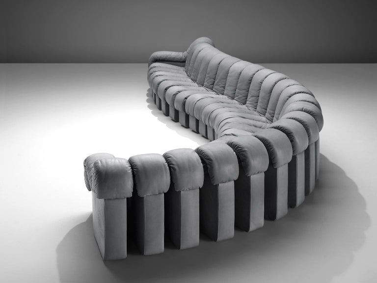 De Sede 'Snake' DS-600, in grey colored leather, Switzerland, 1972.   De Sede 'Non Stop' sectional sofa containing twenty-four pieces in grey leather, of which 22 centre pieces and two higher armrests. Any number of pieces can be zipped together