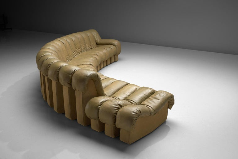 Mid-Century Modern De Sede 'Snake' DS-600 Non Stop Sofa in Beige Leather and Suede