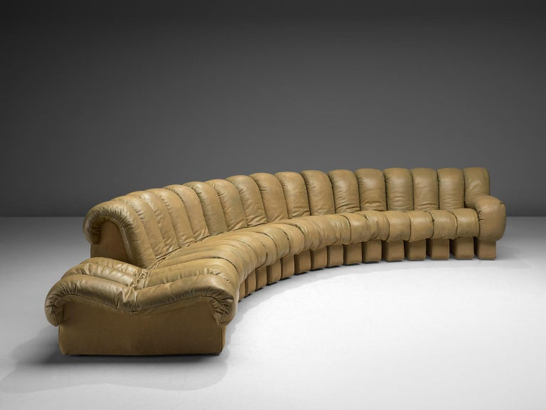 De Sede 'Snake' DS-600 Non Stop Sofa in Beige Leather and Suede In Good Condition In Waalwijk, NL