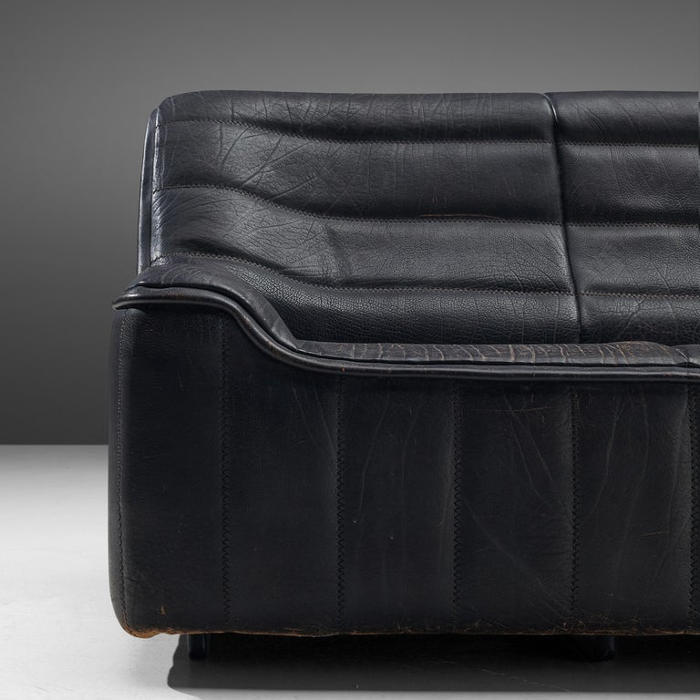 De Sede Sofa DS84 in Patinated Black Leather In Good Condition For Sale In Waalwijk, NL